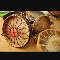 Construccin de Tambor Lakota con Marcela Guerra