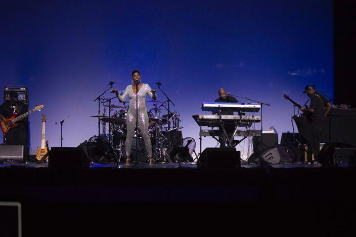 Marcus Douglas Band Black Friday Show At Motor City Casino