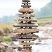 ROCKY BEACH ART - stone stacking and pebble slabs