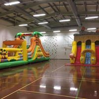Mr Bounce Bouncy castles inflatable Christmas stay and play day