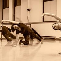 New session of contemporary dance class with Nasim Lootij