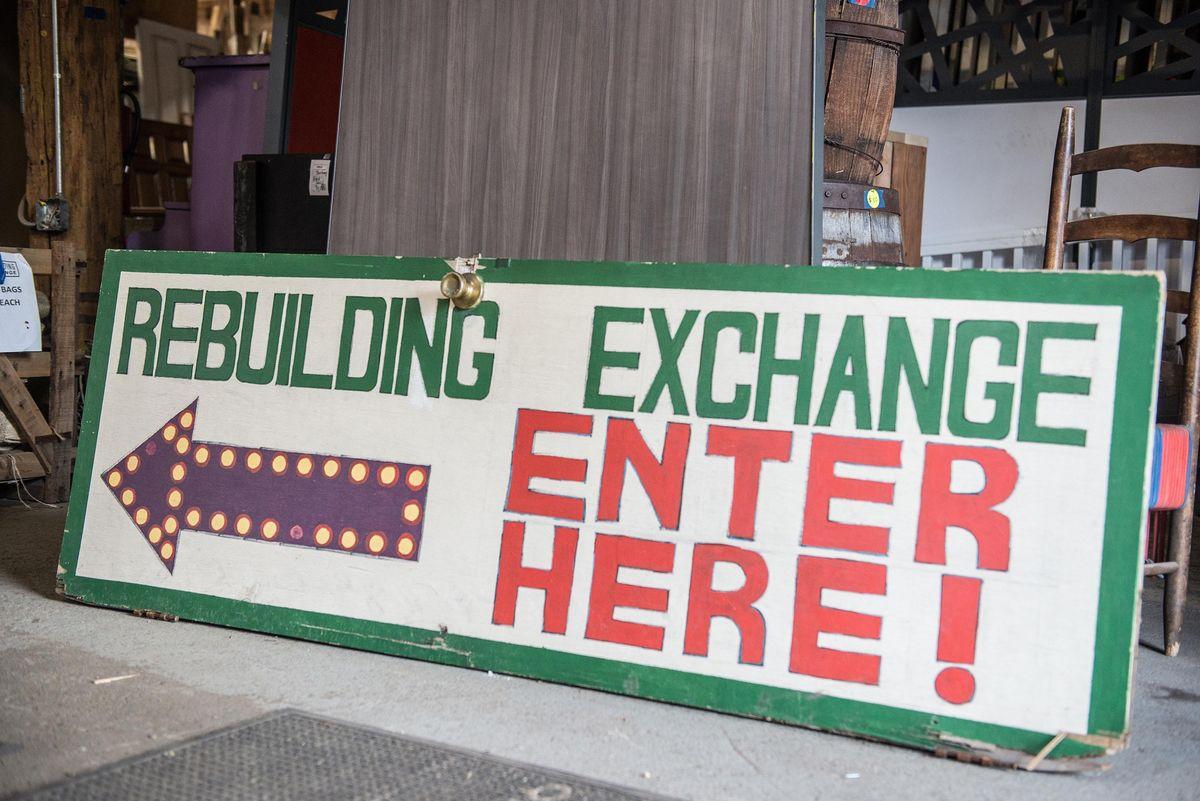 new volunteer orientation at rebuilding exchange chicago