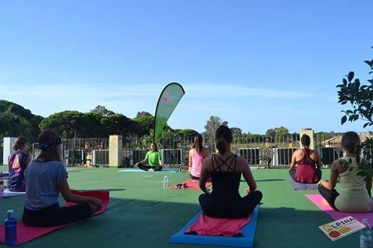 Taller De Yoga En Terraza Hotel Pinomar El Puerto De Santa