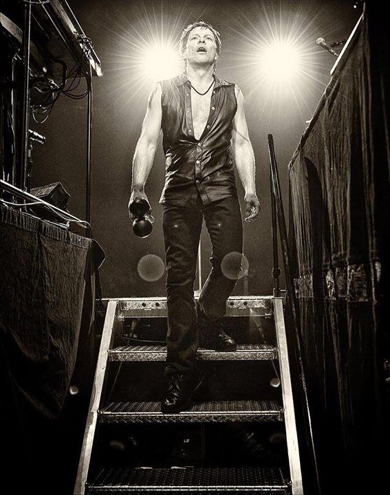 El calvario de Bon Jovi con su próximo album de estudio.