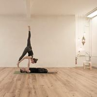 Acro Yoga Special with Salva