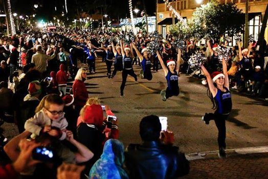 Naples Christmas Parade 2019.Naples Christmas Parade At 5th Avenue South649 5th Ave S