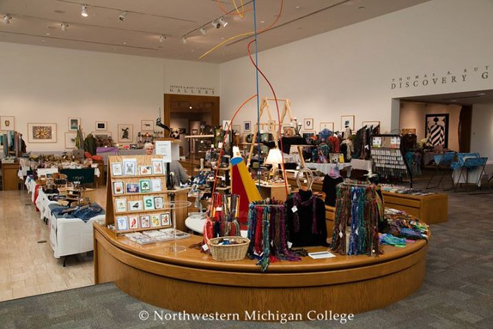 Annual holiday art fair at dennos museum center traverse city for Craft shows in traverse city mi