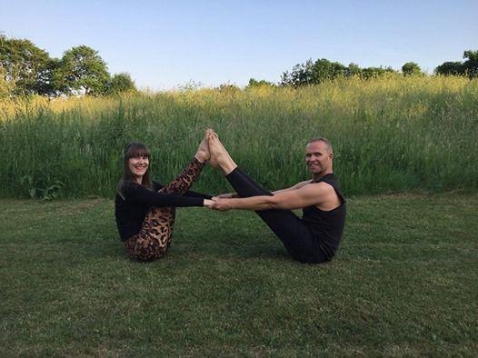 Wellness Yoga med Gavin og Mathilde