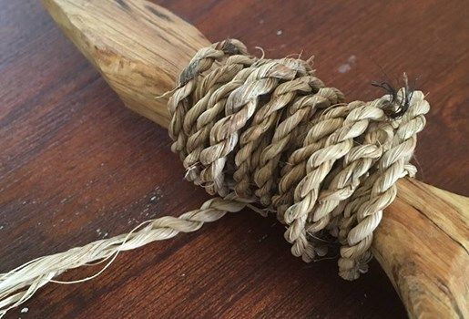 String and rope-making with t kuka leaves
