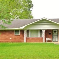 Dewitt Home &amp Household Furnishings Absolute Auction