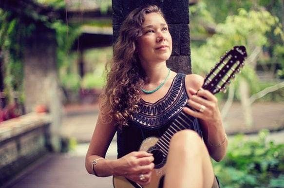 Positive Nights Presents Concert With Peia Luzzi