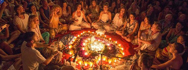 Bhajan - zpvan manter Chanting v Propojen
