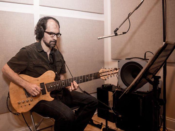 7 et 8 CORDES, guitares-et-basses, impro/composition, investigations B294b864a4b24cd96a94aa5e8637fa37