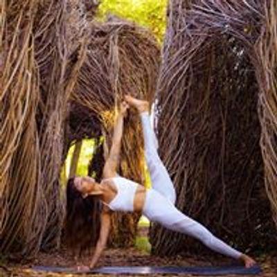 Lizzie Aguirre Yoga