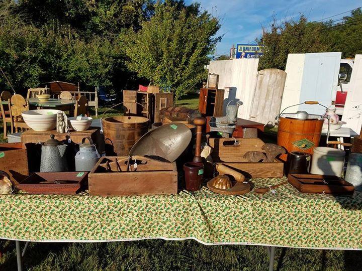 Antique vintage outdoor market at rebel 39 s roost antique for Outdoor furniture york pa