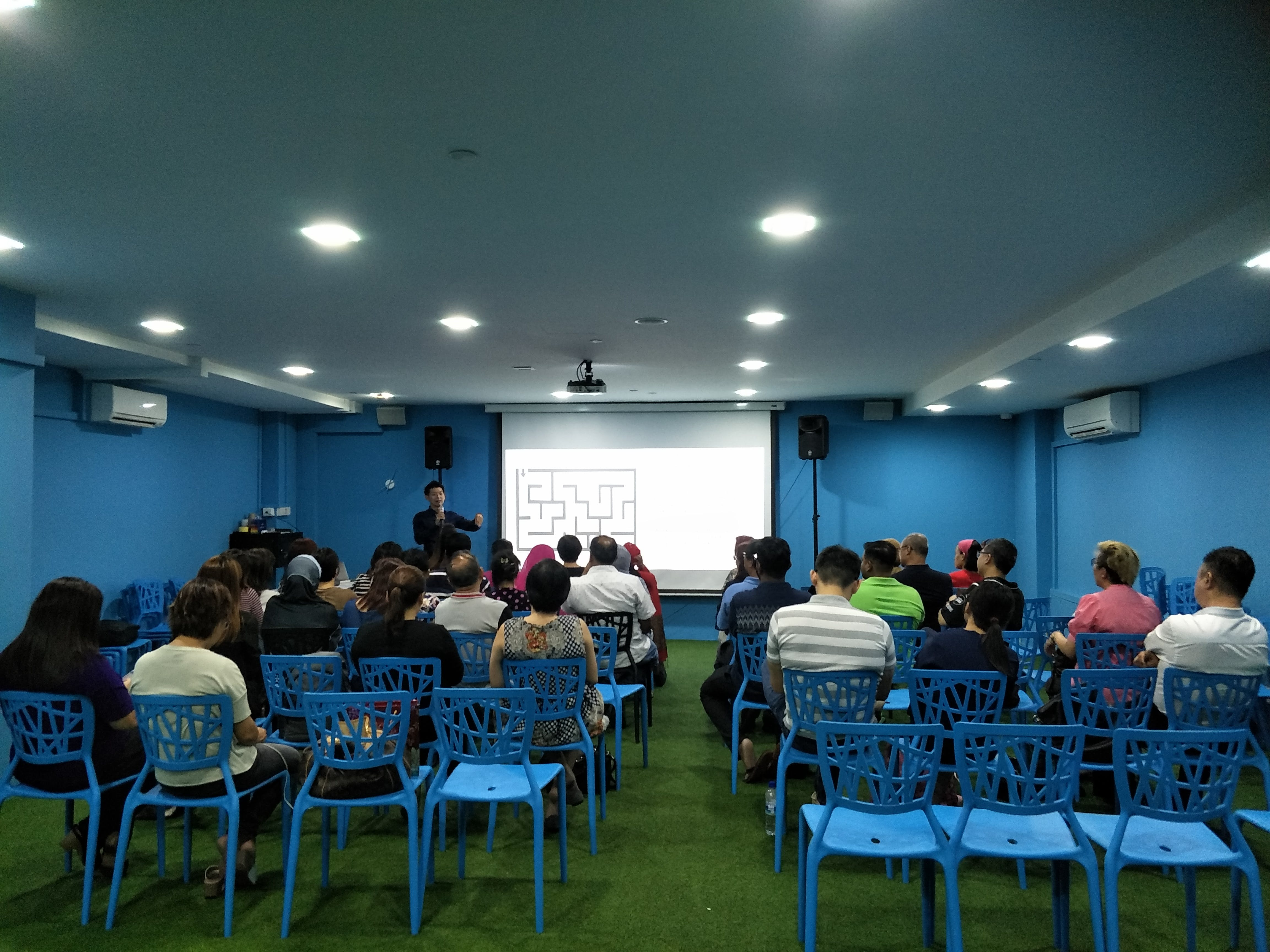Zero Cost E-commerce Training
