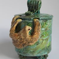Clay sculpture and throwing classes