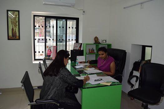 Dt. Ridhima Khamesra Visiting in Diet Clinic Satellite Ahmedabad