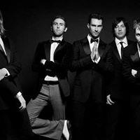 Maroon 5 &amp Julia Michaels At Scottrade Center St. Louis MO