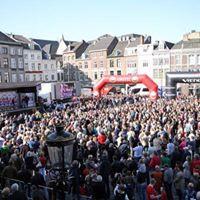 Amstel Gold Race start op de Markt in Maastricht