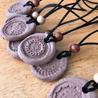 Make an aromatherapy necklace and essential oils 101