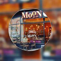 MooN Coffee & Waffle