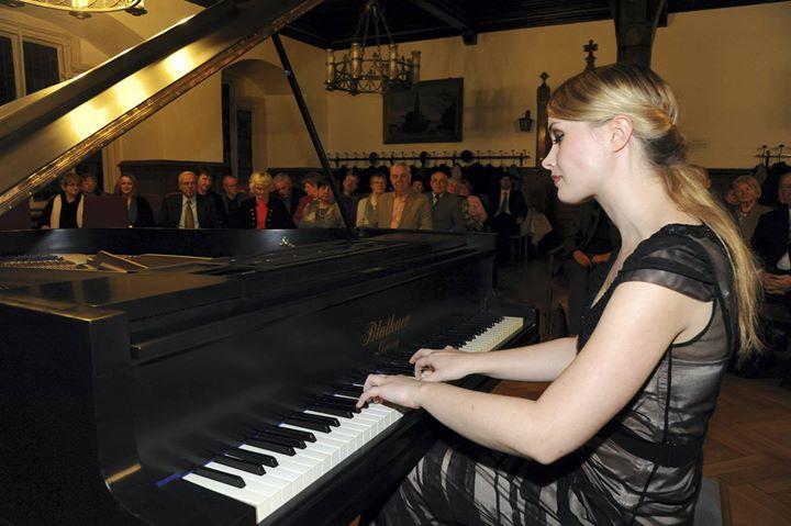 Klavierkonzert mit Meisterpianistin Katharina Treutler