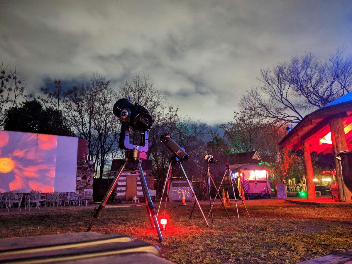 Sekrit Sweetheart Stargazing Picnic and Movie