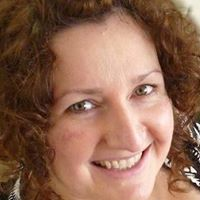 Fiona Bell Self Discovery - Intuitive Artist and Dreamworker