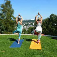 Yoga in den Barmer Anlagen - Taltreeyoga goes wild