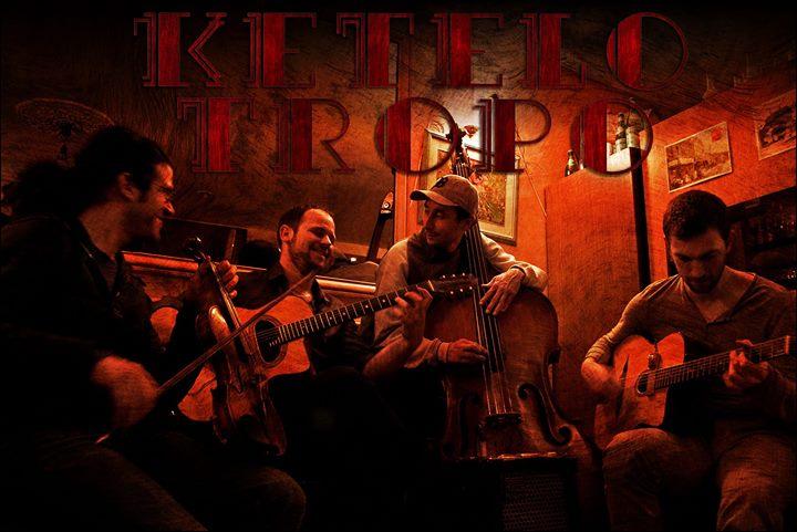 Ketelo Tropo en concert at Au Bureau Chatou