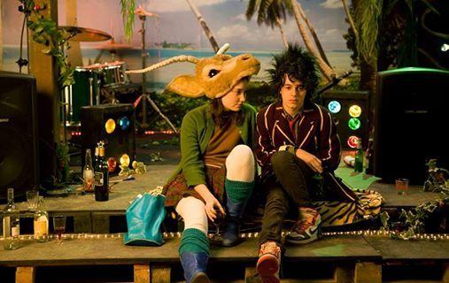 Sunday Movie Unmade Beds (2009)