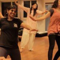 Indian Dance - Bhangra Cardio Workout Class in Switzerland