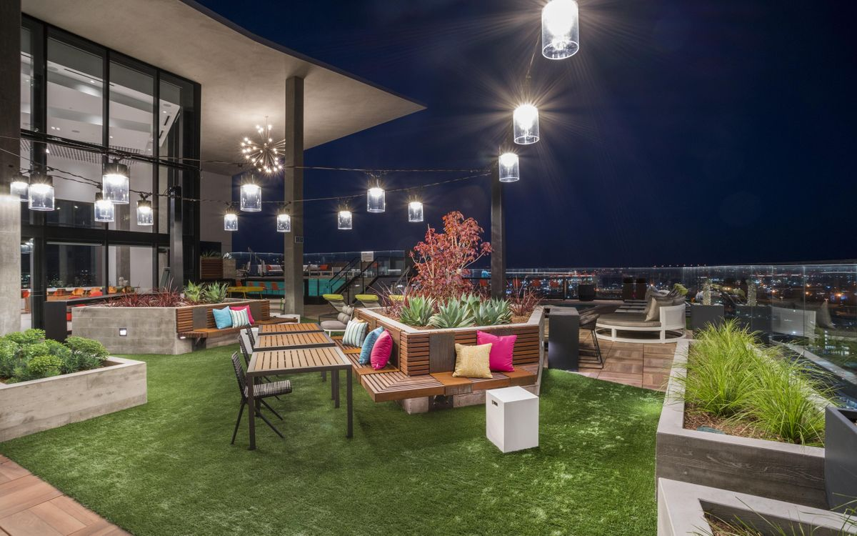 Locale Rooftop Social Hour At Shift Apartments San Diego