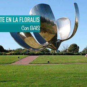 Picnic y Mate en la Floralis Genrica  BAIS Argentina