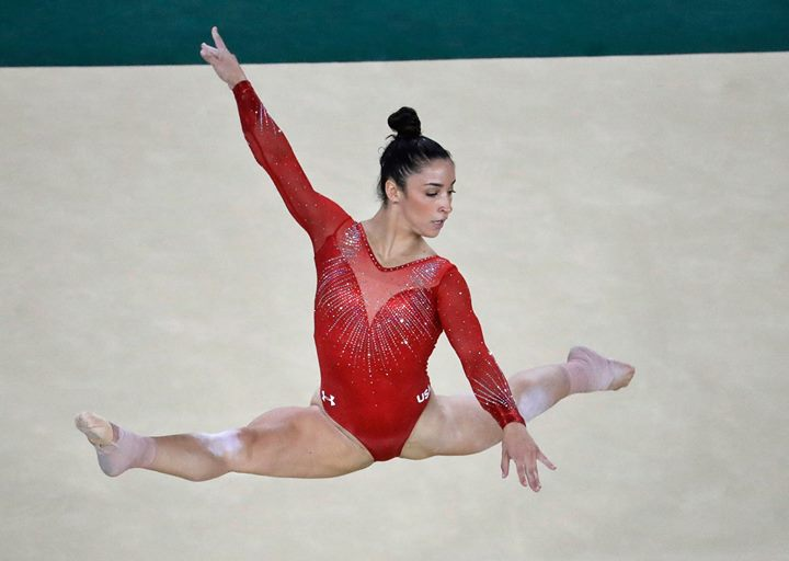 Aly raisman olympic gold medalist at books greetings northvale aly raisman olympic gold medalist m4hsunfo