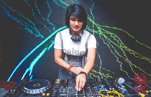 Ladies Night wDJ Gauri at Moonshine Cafe  ClubGo App