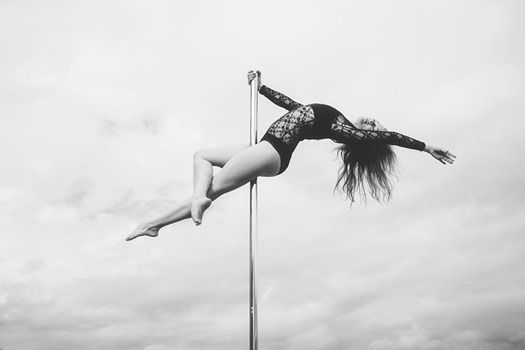 Mandy-Marie Mahrenholz - Contemporary Pole