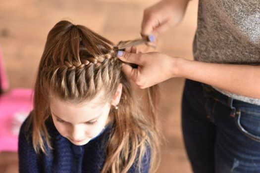 Mums or Dads To Learn Hairstyles For Their Little Girls