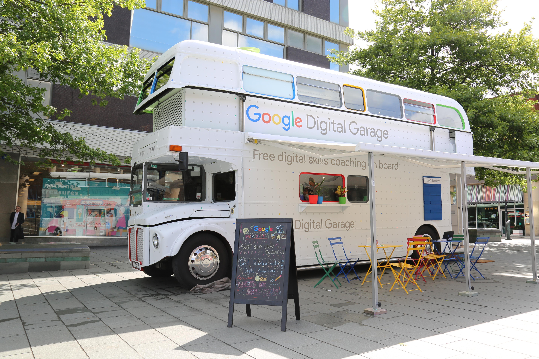 digital bus s university - HD2650×1767