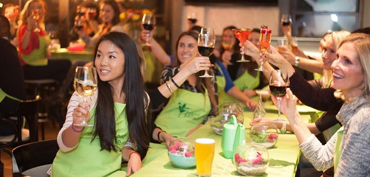 paint nite at the greene turtle drink creatively