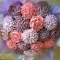 Cupcake Decorating Workshop including cupcake bouquets