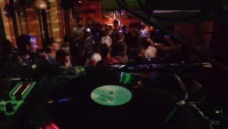 DJ Roberto Mas Deep Underground At Les Amis Wohnzimmer Bern