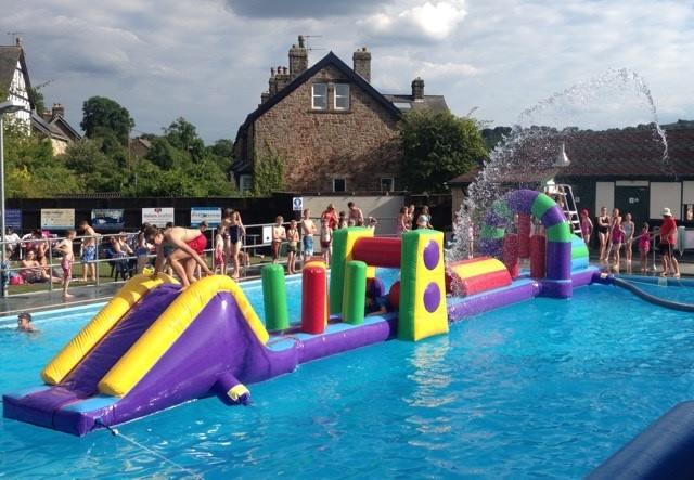 Outdoor pool party bake off at hathersage swimming pool for Garden pool party ideas
