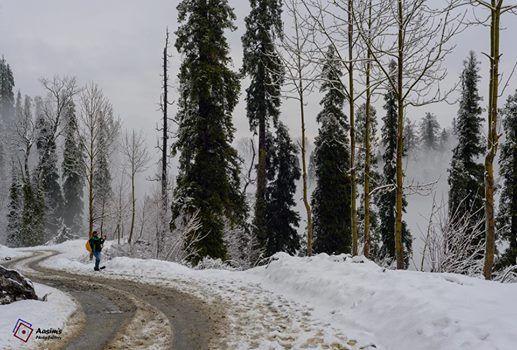Snow-hike on Miranjani