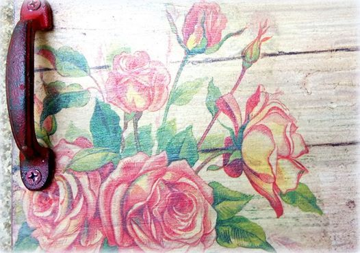 Mixed Media-Distressed Decoupaged wood tray (Weekday workshop)