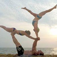 Summer special Handstands &amp Acro