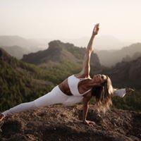 Ashtanga Yoga con Aline Fernandes
