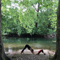 Yoga met je peuter in het bos