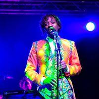 Vee Mukarati in Concert